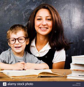 Nhưng con muốn học với giáo viên thật cơ!